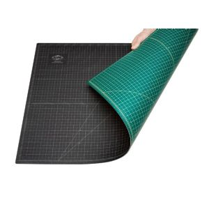 green black cutting mat